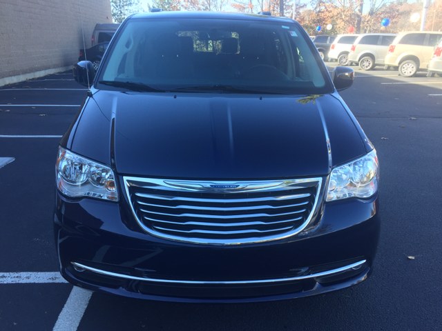 2016 Chrysler Town And Country Touring In Hudson Nh New England Motor Car Co