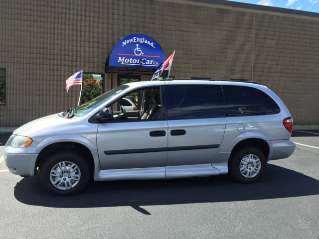 2006 dodge grand caravan se 4dr extended mini van in for New england motor car