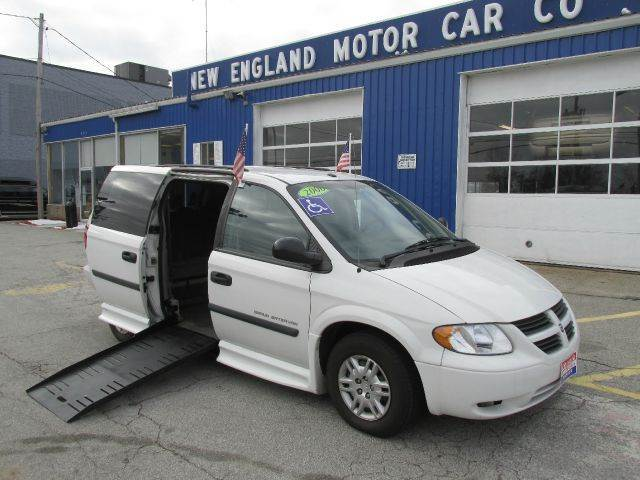 2006 dodge handicap grand caravan wheelchair handicap van for New england motor car