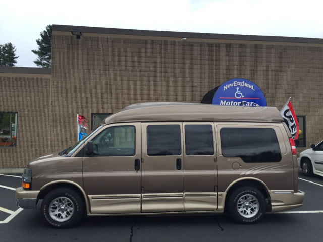 2003 chevrolet express passenger conversion van in hudson for New england motor car