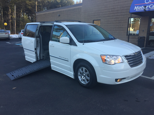 2009 chrysler town and country touring mini van 4dr in hudson nh new england motor car co. Black Bedroom Furniture Sets. Home Design Ideas