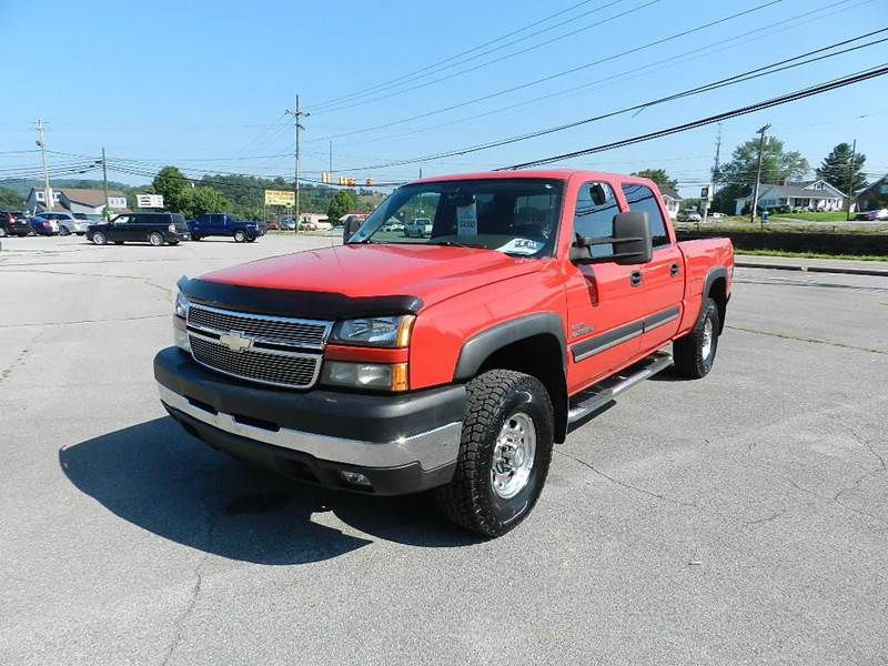 2006 CHEVROLET SILVERADO 2500HD LT2 4DR CREW CAB 4WD SB red there are no electrical problems with
