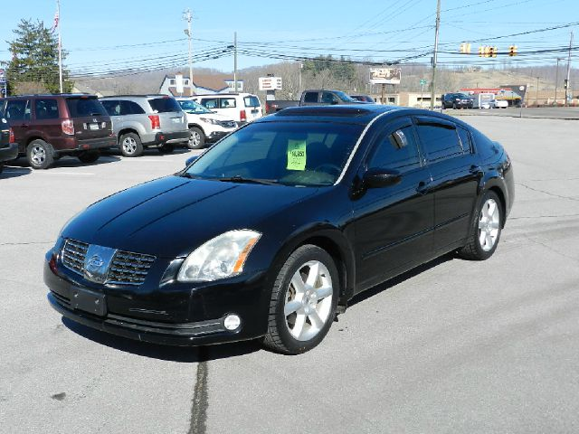 2006 NISSAN MAXIMA SE black all power equipment is functioning properly  there are no defects pre