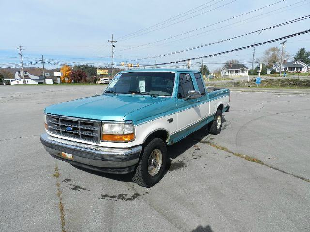 1995 FORD F-150 XLT 2DR 4WD EXTENDED CAB SB greenwhite all power equipment is functioning properl