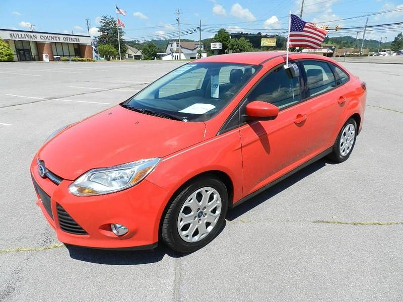 2012 FORD FOCUS SE 4DR SEDAN red all power equipment on this vehicle is in working order  no def