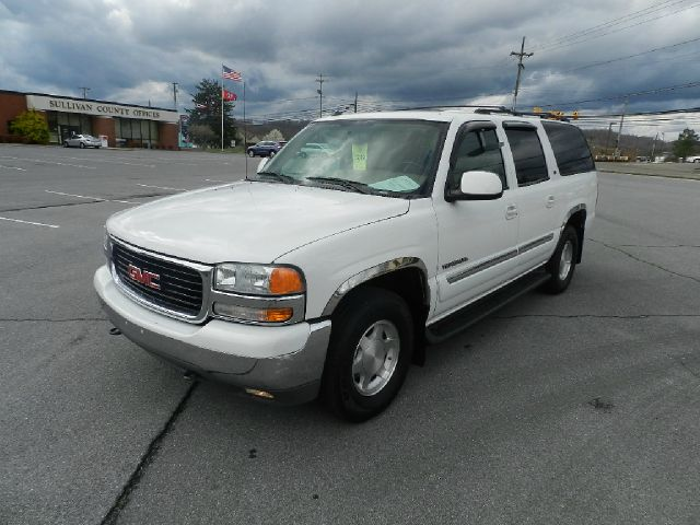 2004 GMC YUKON XL 1500 4WD white 4wdawdabs brakesair conditioningalloy wheelsamfm radioanti