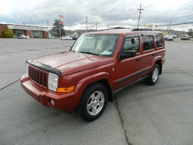 2006 JEEP COMMANDER 4WD unspecified 4wdawdabs brakesair conditioningalloy wheelsamfm radioa