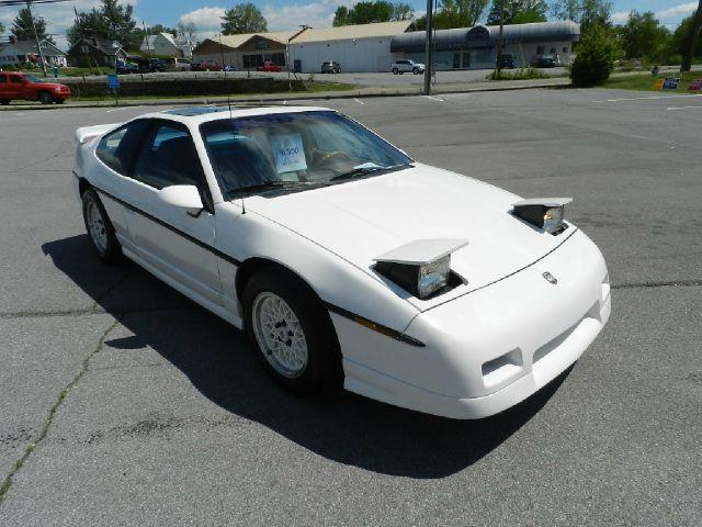 1986 PONTIAC FIERO GT white all electrical and optional equipment on this vehicle have been checke