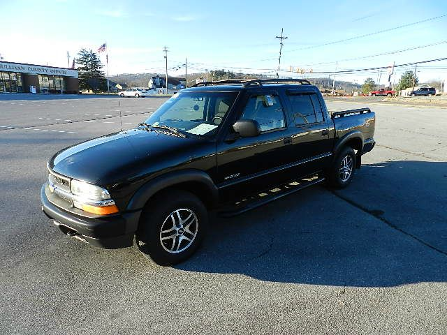 2003 CHEVROLET S10 LS CREW CAB 4WD black all power equipment on this vehicle is in working order