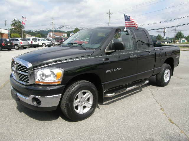 2006 DODGE RAM 1500 SLT QUAD CAB 4WD black 4wdawdabs brakesair conditioningalloy wheelsamfm
