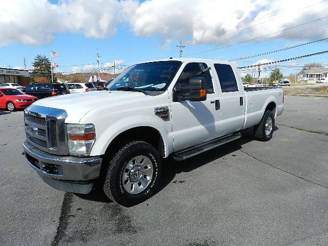 2008 FORD F250 XLT CREW CAB LONG BED 4WD white you wont find any electrical problems with this veh