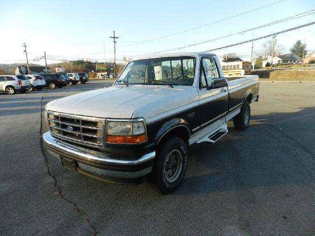 1995 FORD F-150 XLT 2DR 4WD STANDARD CAB LB whiteblue abs - rear-only auxiliary gas tank casset