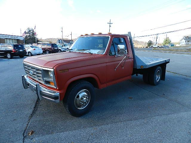 1985 FORD F350 FLAT BED DUALLY red there are no electrical concerns associated with this vehicle