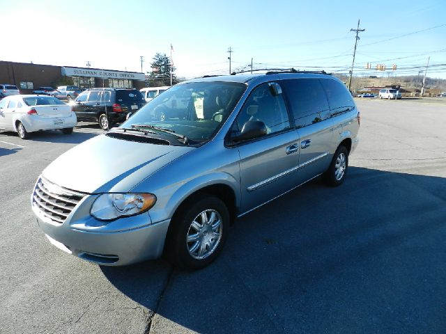 2005 CHRYSLER TOWN  COUNTRY TOURING blue you wont find any electrical problems with this vehicle