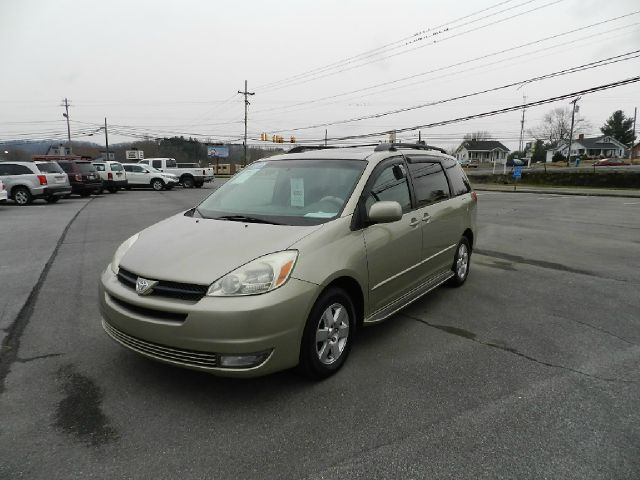 2004 TOYOTA SIENNA XLE LIMITED 7 PASSENGER 4DR MINI gold all power equipment on this vehicle is in