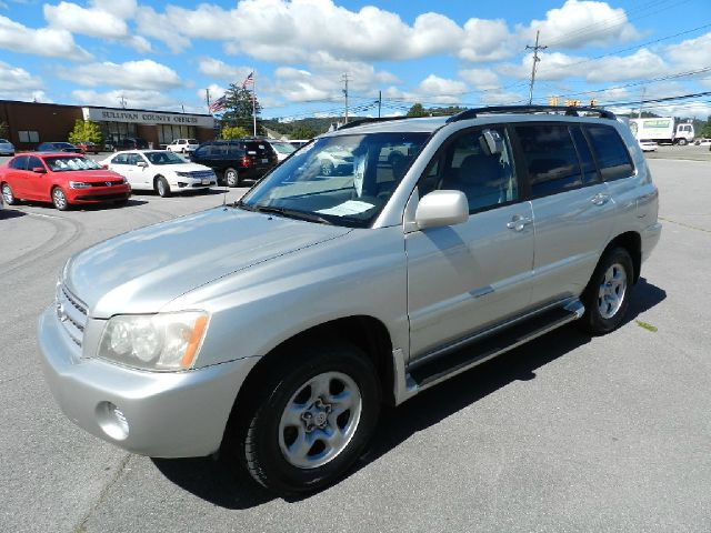 2003 TOYOTA HIGHLANDER BASE AWD 4DR SUV silver you wont find any electrical problems with this ve