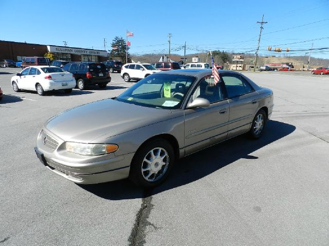 2001 BUICK REGAL LS beige you wont find any electrical problems with this vehicle  vehicle is def