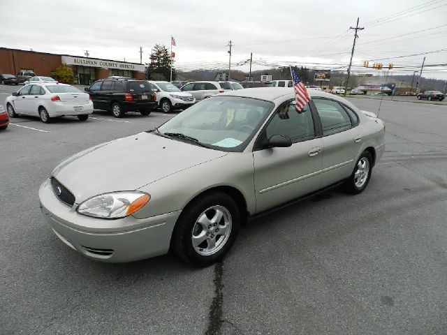 2007 FORD TAURUS SE beige all power equipment on this vehicle is in working order  there are no k