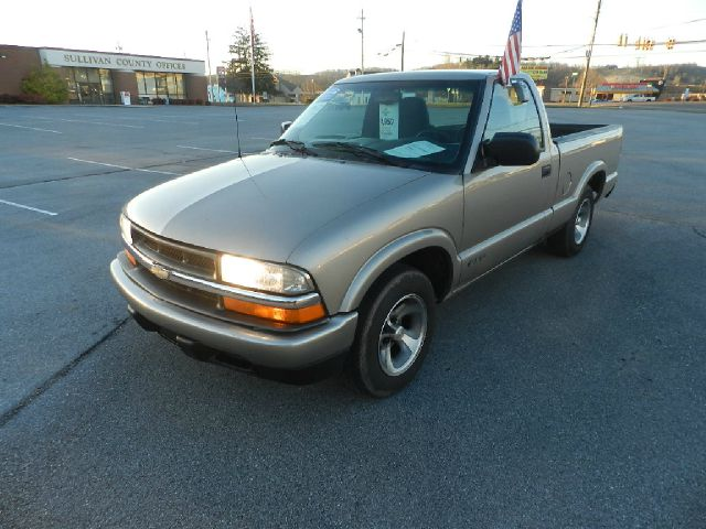 2000 CHEVROLET S-10 BASE 2DR STD STANDARD CAB SB beige there are no electrical problems with this