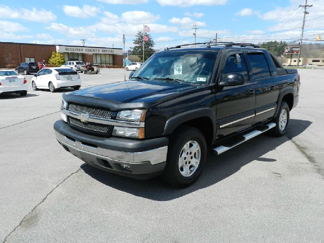 2005 CHEVROLET AVALANCHE 1500 Z71 4DR CREW CAB 4WD black abs - 4-wheel adjustable pedals - power