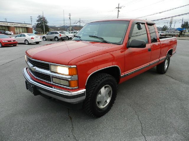 1997 CHEVROLET CK 1500 SERIES K1500 SILVERADO 2DR 4WD EXTENDED red there are no electrical proble
