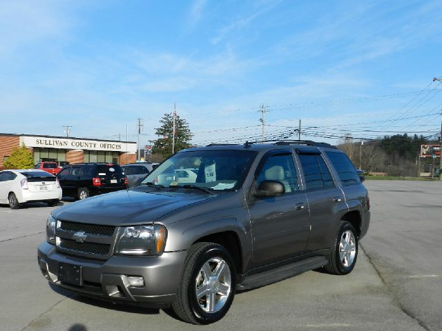 2008 CHEVROLET TRAILBLAZER LS brown you wont find any electrical problems with this vehicle  no