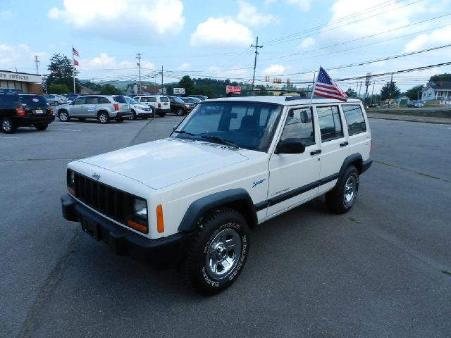 1997 JEEP CHEROKEE SPORT 4DR 4WD SUV white there are no electrical concerns associated with this v