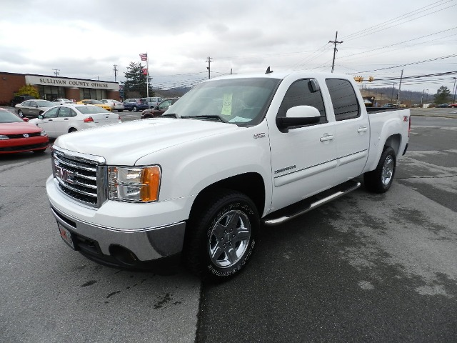 2011 GMC SIERRA 1500 SLE CREW CAB 4WD white all power equipment is functioning properly  there ar