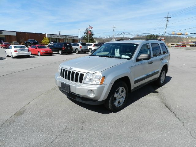 2005 JEEP GRAND CHEROKEE LAREDO 4DR SUV silver there are no electrical concerns associated with t