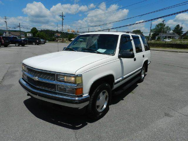 1997 CHEVROLET TAHOE LT 4DR 4WD SUV white there are no electrical problems with this vehicle  th