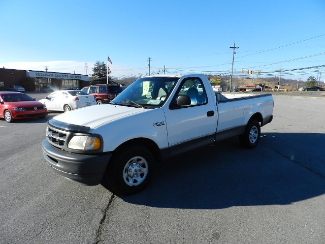 1997 FORD F250 LD REG CAB 2WD white the electronic components on this vehicle are in working orde