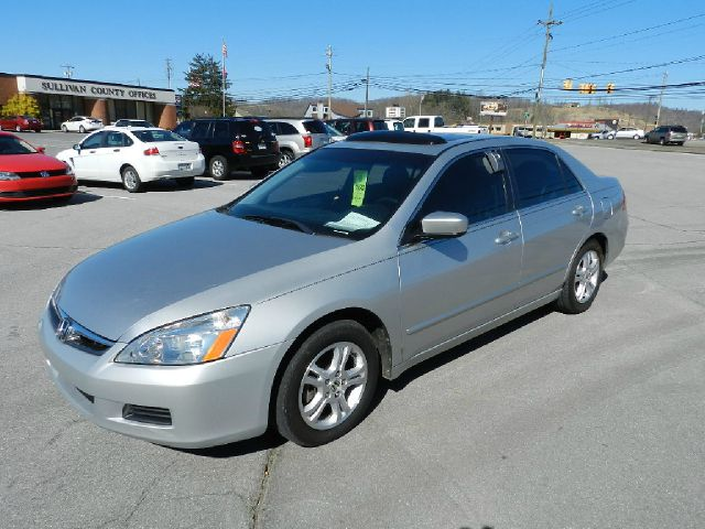 2006 HONDA ACCORD EX SEDAN AT W LEATHER AND XM silver there are no electrical problems with this