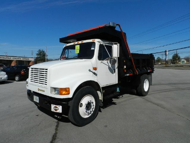 1992 INTERNATIONAL 4600LP 4X2 - white the electronic components on this vehicle are in working ord