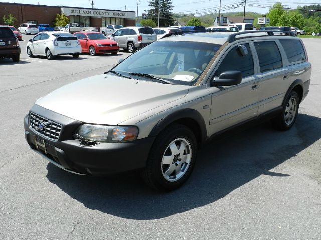 2001 VOLVO V70 XC AWD 4DR WAGON peweter all power equipment is functioning properly  this vehicl