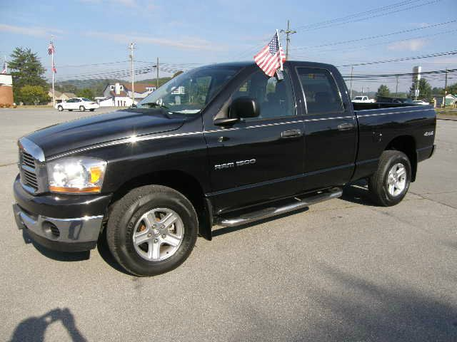 2006 DODGE RAM 1500 SLT QUAD CAB 4WD black the electronic components on this vehicle are in workin