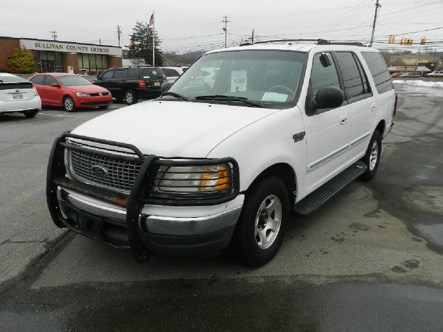 1999 FORD EXPEDITION XLT 4DR SUV white vehicle has never been smoked in              there are no