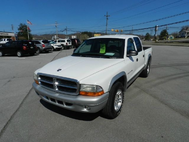 2002 DODGE DAKOTA SLT QUAD CAB 2WD white abs brakesair conditioningalloy wheelsamfm radioanti