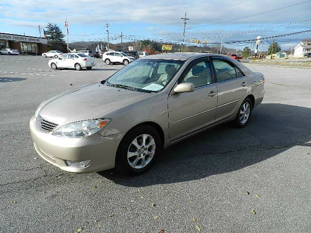 2005 TOYOTA CAMRY XLE beige there are no electrical concerns associated with this vehicle  there