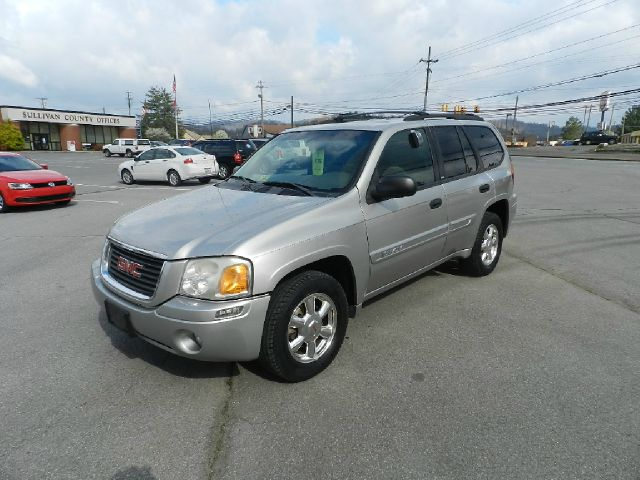 2003 GMC ENVOY SLE 4WD silver all power equipment on this vehicle is in working order  there are