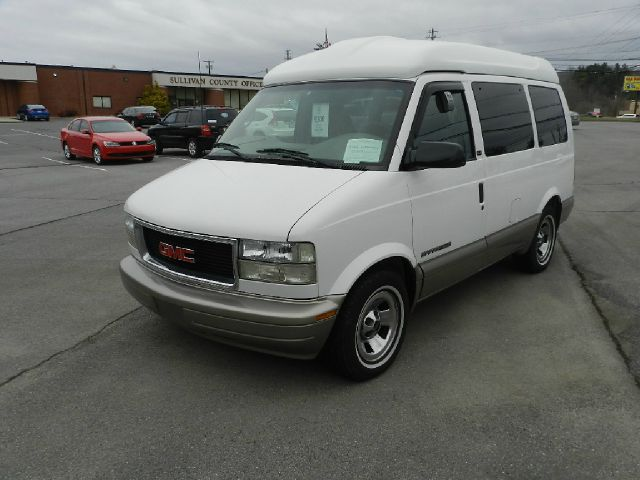 2002 GMC SAFARI SLE AWD 3DR MINIVAN white all electrical and optional equipment on this vehicle ha