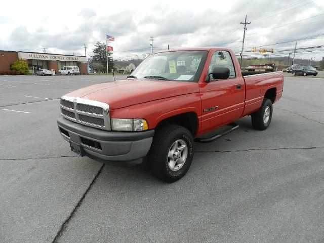 1997 DODGE RAM PICKUP 1500 LT REG CAB 8-FT BED 4WD red 4wdawdabs brakesanti-brake system 2-w