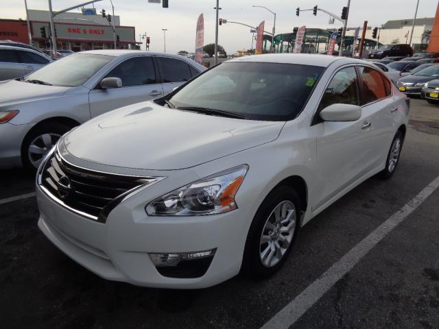 2015 NISSAN ALTIMA 25 S 4DR SEDAN pearl white door handle color - chromeexhaust - dual exhaust