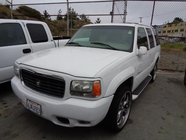 2000 CADILLAC ESCALADE BASE 4DR 4WD SUV white running boardsfront air conditioningfront air con