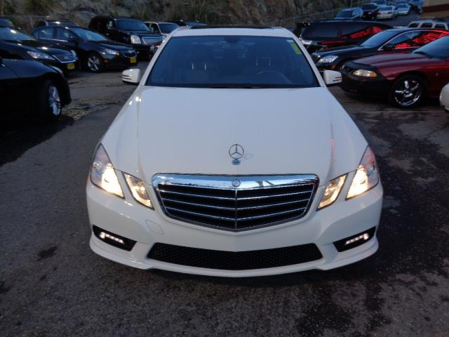 2011 MERCEDES-BENZ E-CLASS E350 SPORT 4DR SEDAN arctic white sport package navigation heated se
