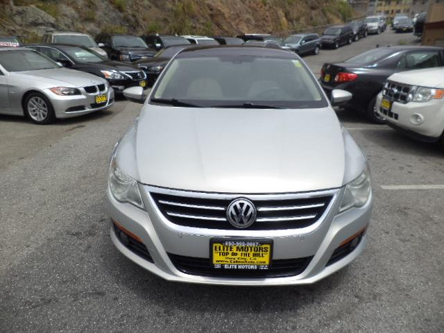 2009 VOLKSWAGEN CC LUXURY 4DR SEDAN white gold metallic heated seats panoramic sunroof bumper col