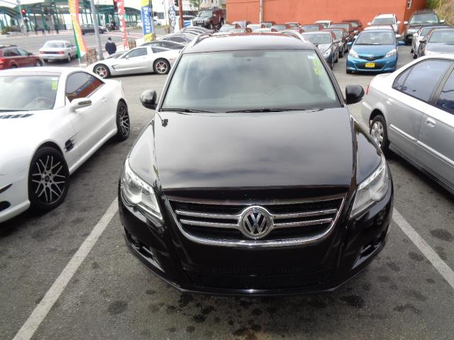 2010 VOLKSWAGEN TIGUAN WOLFSBURG EDITION 4DR SUV 6A black wolfsburg edition leather heated seats