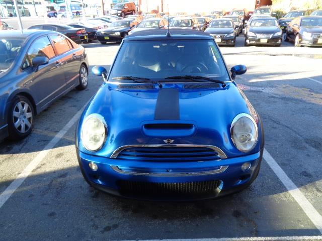 2006 MINI COOPER S 2DR CONVERTIBLE hyper blue metallic air filtrationautomatic climate controlbe