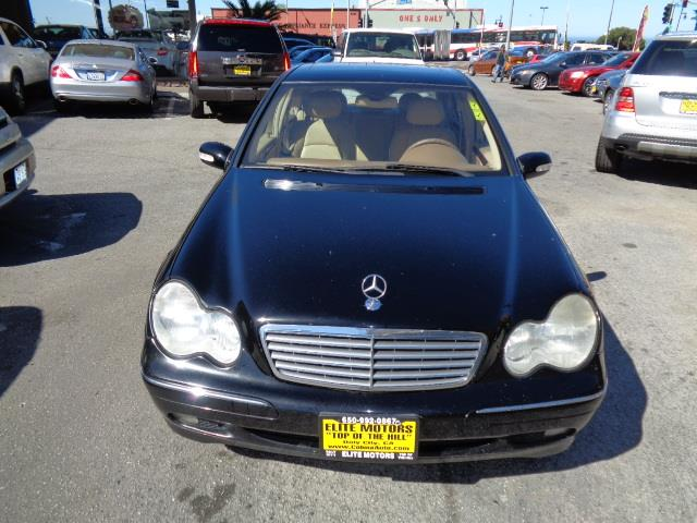 2004 MERCEDES-BENZ C-CLASS C240 4DR SEDAN black metallic paintwood-tone accentsfront air conditi