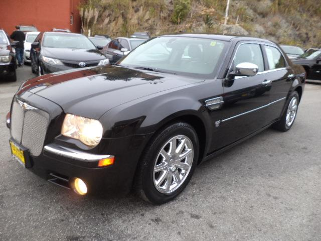 2007 CHRYSLER 300 C 4DR SEDAN black like new hemi340 hp  very clean cognac crystal pearl coat p