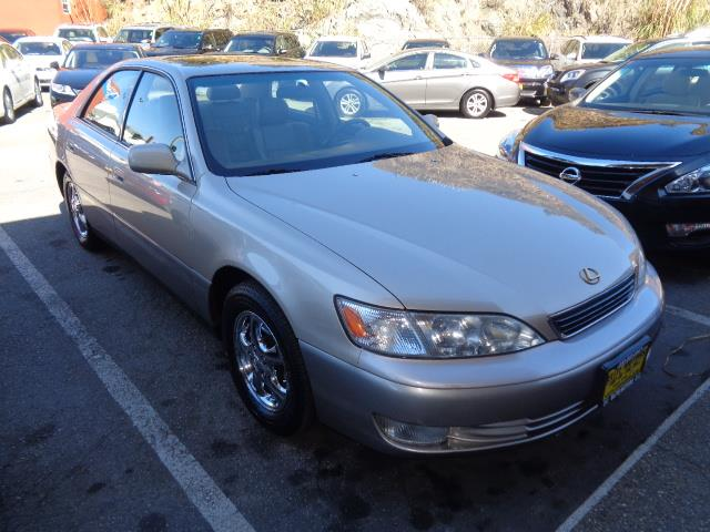 1998 LEXUS ES 300 BASE 4DR SEDAN gold front air conditioningfront air conditioning - automatic c